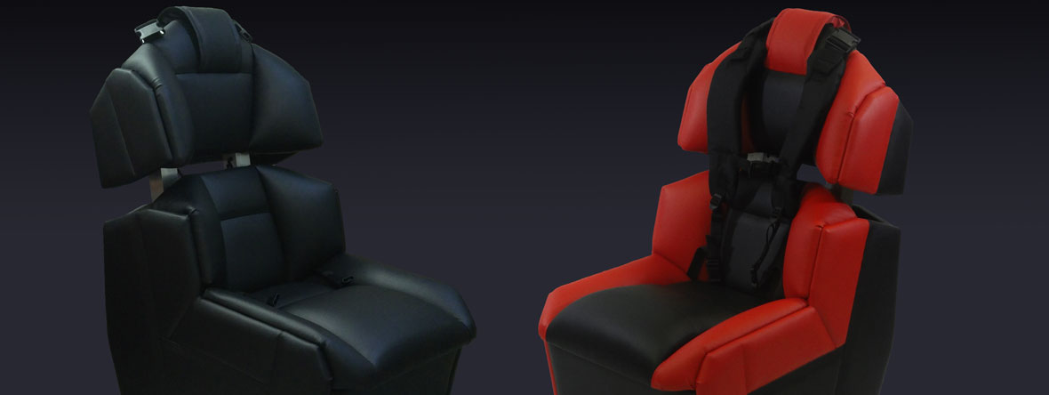 GS-Cobra motion simulator, two models: entirely black and red/black